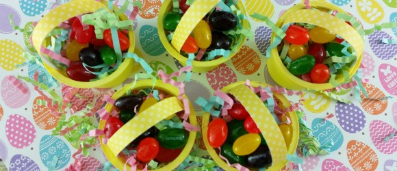 Make your own tiny Easter Basket - details at thatbaldchick.com