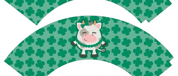 St Patrick's Day Cupcake Wrappers - free printable at thatbaldchick.com